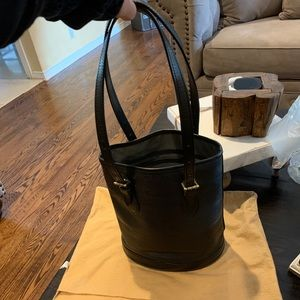 Louis Vuitton Epi bucket pm